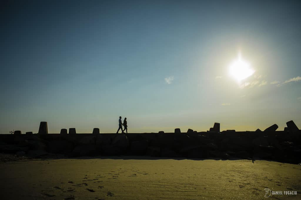 silhouette couple
